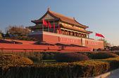 Ворота (ворота небесного спокойствия) Тяньаньмынь в зимнее утро. b — Стоковое фото