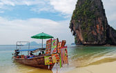 Boat restaurant on the Railay beach. Krabi. Thailand — Stock Photo