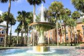 Park und Gebäude in florida. — Stockfoto