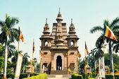 Templo hindú y personas en la india. — Foto de Stock