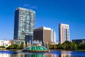 Eola Lake in Orlando downtown, Florida — Stock Photo