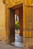 Entry to the courtyard of the Great Mosque of Córdoba, Spain. — Stock Photo