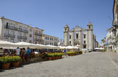 Square in Portuguese town — Stock Photo