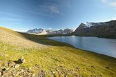 Yüksek irtifa dağ gölü — Stok fotoğraf