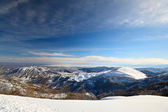Snowy slope with superb panoramic view — ストック写真