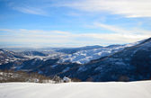 Snowy slope with superb panoramic view — Foto de Stock