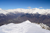 Panoramisch besneeuwde ridge — Stockfoto
