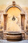 старый колодец — Стоковое фото