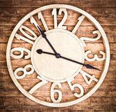 Orologio in legno — Foto Stock