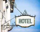 Stary hotel znak — Zdjęcie stockowe