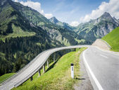 Curve at the europen alps — Stockfoto
