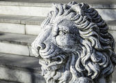 Old lion statue — Stock Photo