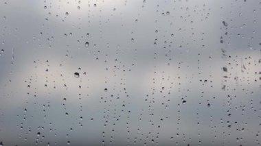 Pluie — Vidéo
