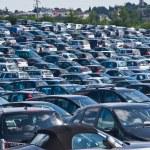 Automobiles on parking — Stock Photo