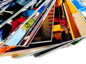 Stapel van de foto's, geïsoleerd op een witte achtergrond — Stockfoto