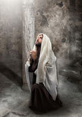 Jesus kneel in prayer — Stock Photo