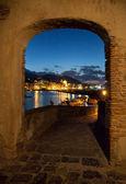 查看从牌楼湾的伊斯基亚岛,意大利 — 图库照片
