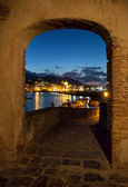 View from archway of bay of Ischia island, Italy — Stock Photo