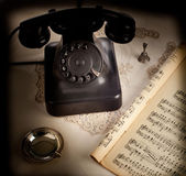 Old retro bakelite telephone — Photo