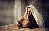 Jesus breaks the bread — Stock Photo