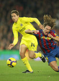 Fuster (R) of Villarreal and Puyol (L) of Barcelona — Foto Stock