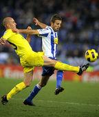 Borja Valero of Villareal(L) with Luis Garcia(R) of Espanyol — ストック写真