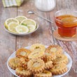 Cookies with lemon curd — Stock Photo #18734765