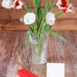 Tulips, gift box and blank card  — Stock Photo