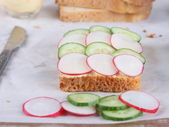 Sandwich with fresh vegetables — Stock Photo