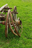 Old wooden wheel spokes, — Foto Stock