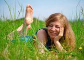 Women lying in meadow — Stock Photo