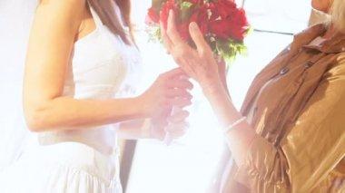 Head Shoulders Bride and Mother Wedding Posy — Stock Video