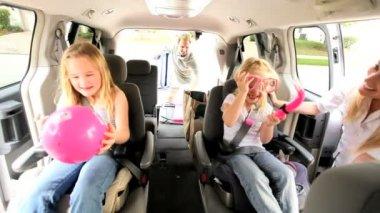 Young Caucasian Family Beach Car Trip — Stock Video #17612225