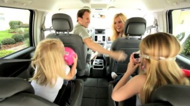 Young Caucasian Family in Car Beach Trip — Stock Video #17630921