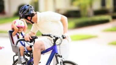 Young Dad Toddler Bicycle Child Seat — Stock Video