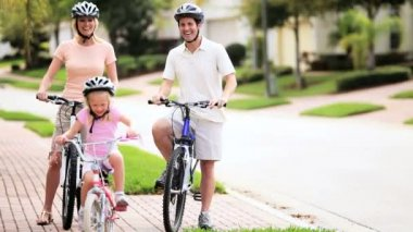 Caucasian Family Healthy Bicycle Ride Together — Stock video