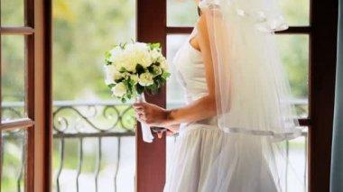 Caucasian Bride Wedding Posy Dress Veil — Stock Video