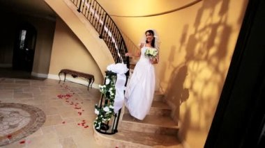 Brunette Bride Wedding Dress Descending Staircase — Stock Video