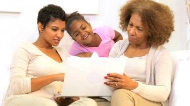 Three Generations Ethnic Females Home Laptop Computer — Stock Video