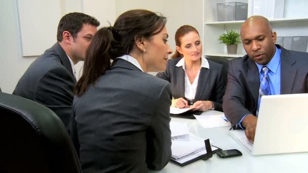 Young Executives Presenting Business Plan — Vidéo