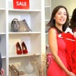 personal shopper con cliente femminile — Video Stock
