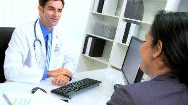 Handshake Finance Director and Doctor — Stock Video