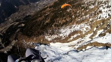 Paragliding high above Chamonix — Stock Video