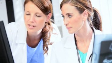 Full Frame Clinical Colleagues Pleased X-Ray Results — Stock Video