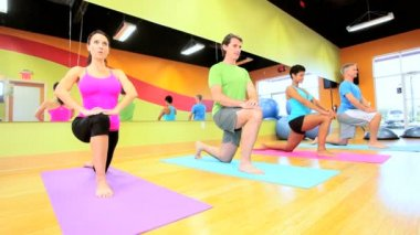 Exercise Class Modern Health Club — Stock Video