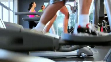 Gym Members Keeping Fit — Stock Video