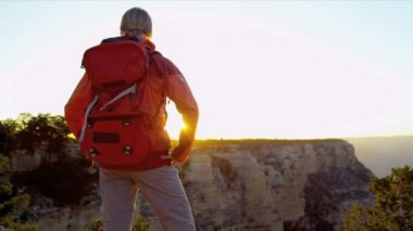 Female hiker ends her adventure — Stock Video