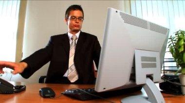 現代の作業環境での若手実業家 — ストックビデオ