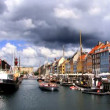Nyhavn colored houses fronting waterways in Copenhagen — Stock Video