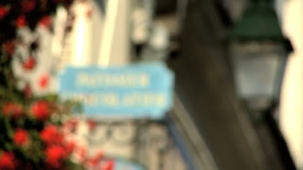 Pastelero y chocolatero signo rack foco — Vídeo de stock
